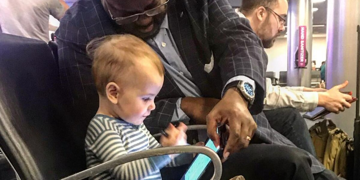 'Continue to shine your light:' Dad thanks stranger for showing daughter random act of kindness in OK airport