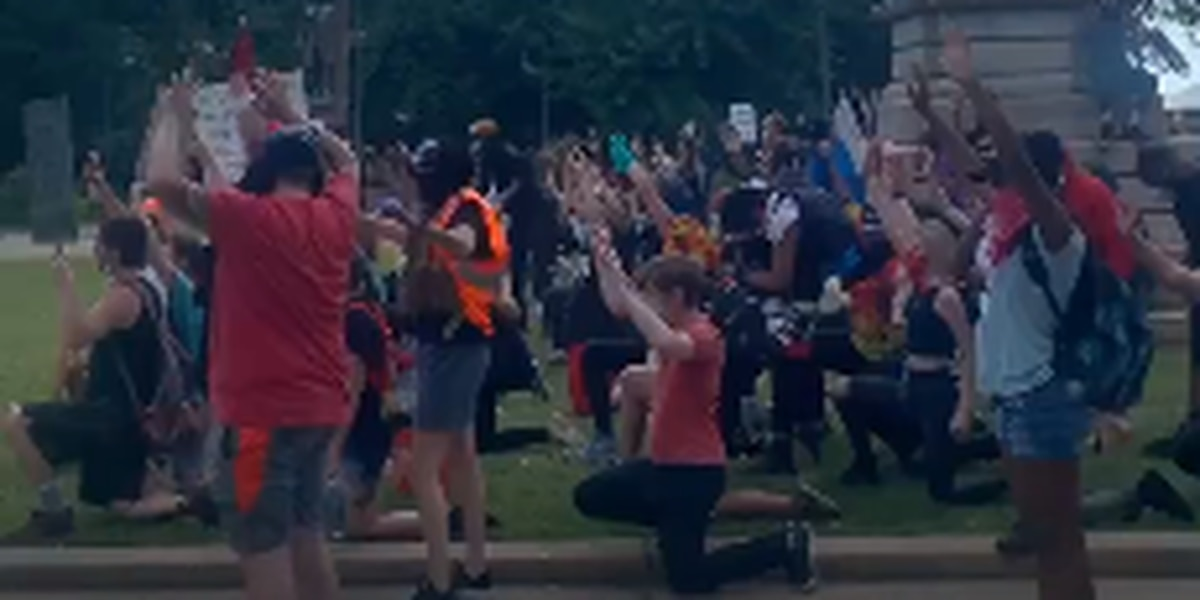 Protesters remain at SC State House, tensions have calmed