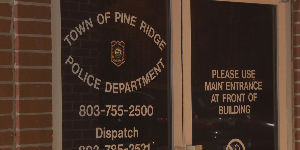 Pine Ridge residents continue to ask Mayor to resign following police force resignations