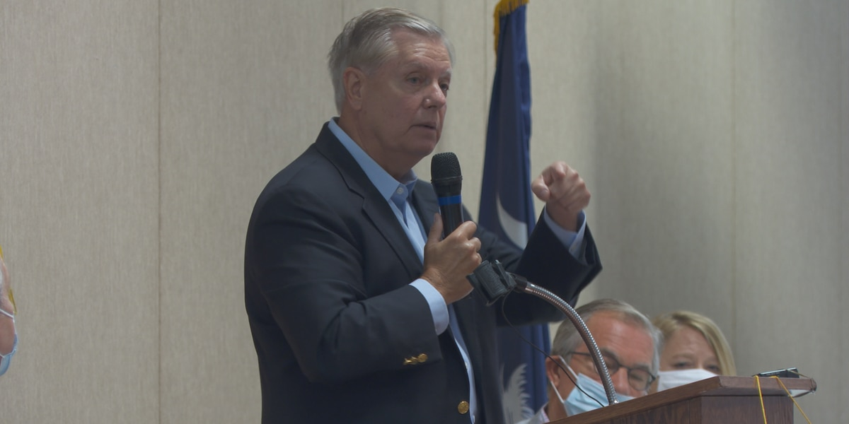 Sen. Graham visits SC Hospital Association to meet with administrators