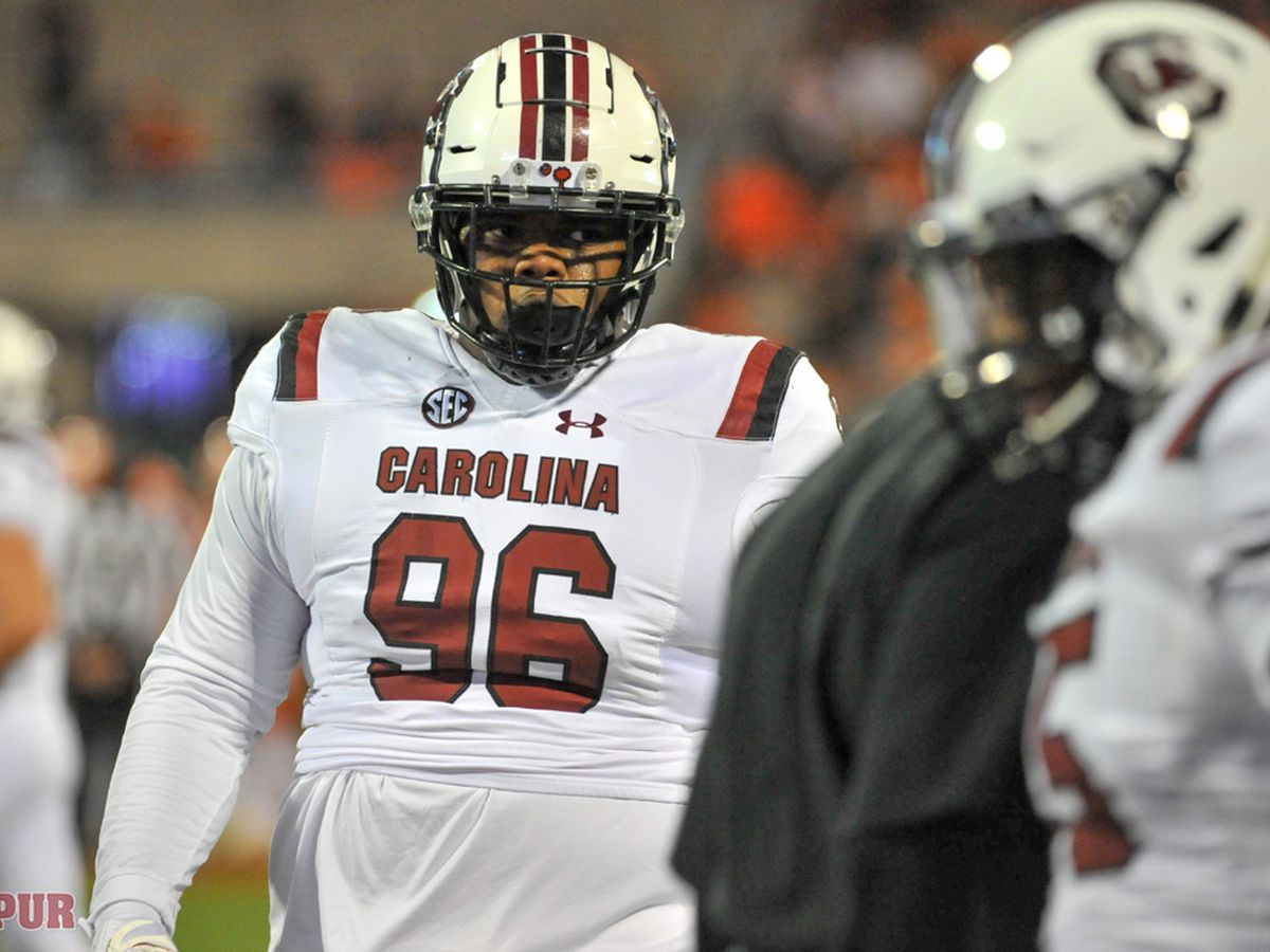 Belk confirms he's leaving South Carolina football team