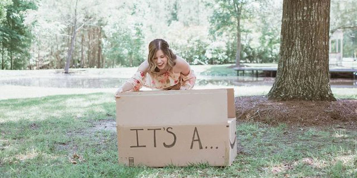 This Texas puppy gender reveal photo shoot has a really cute backstory