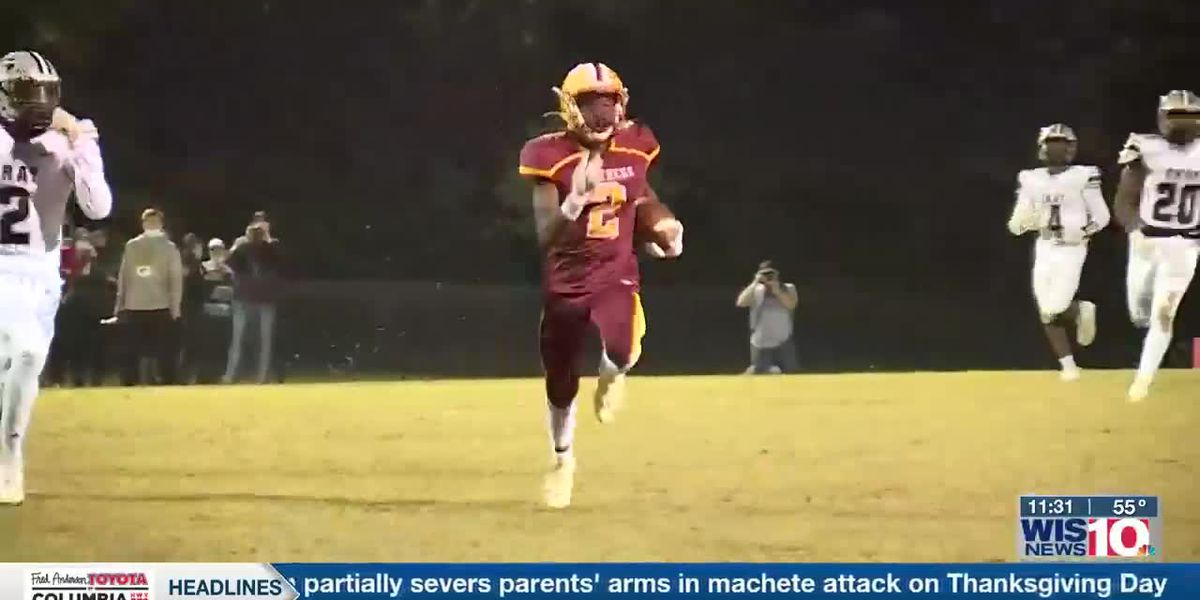 PLAY 3: Abbeville's Tyrell Haddon finds Antonio Harrison for the TD on the option pass