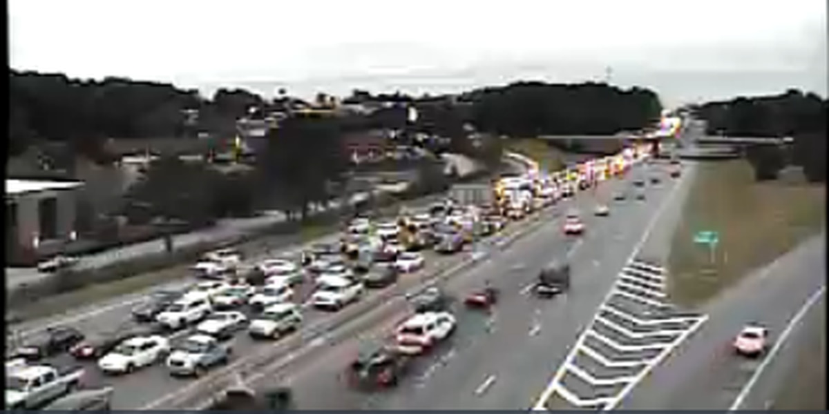 I-26 Eastbound reopened following multi-vehicle collision, traffic congested