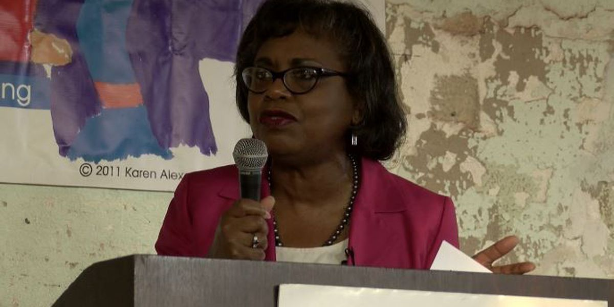 Hundreds celebrate 25th anniversary of Anita Hill's mark for women's rights