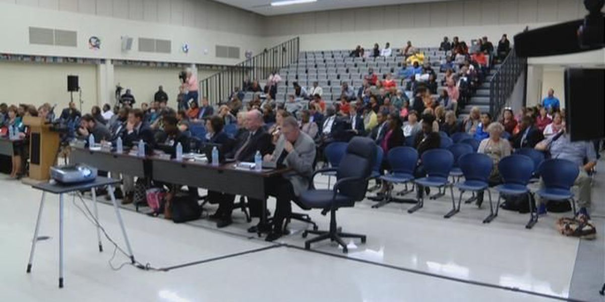 Parents voice opinions regarding officer's actions at district meeting
