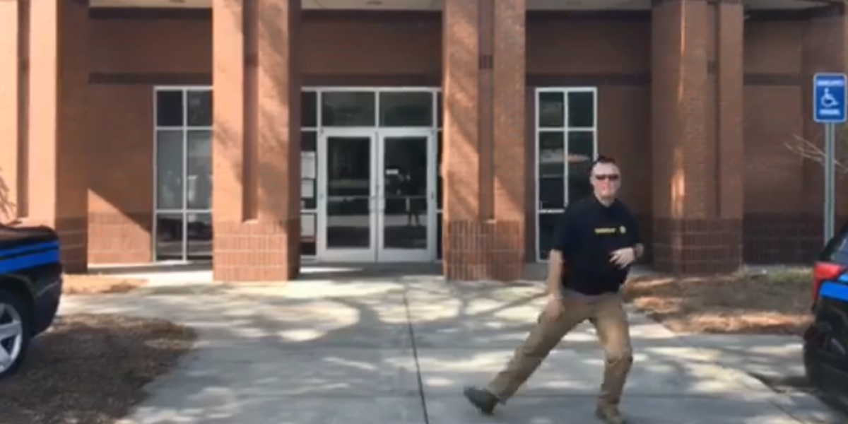 Sheriff Lee Boan, Kershaw Co. deputies get down for #GitUpChallenge