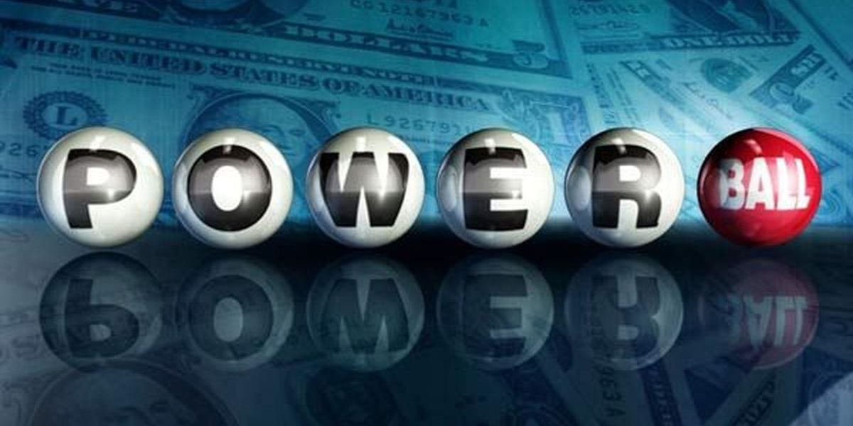 Single mom from Iowa claims huge Powerball jackpot
