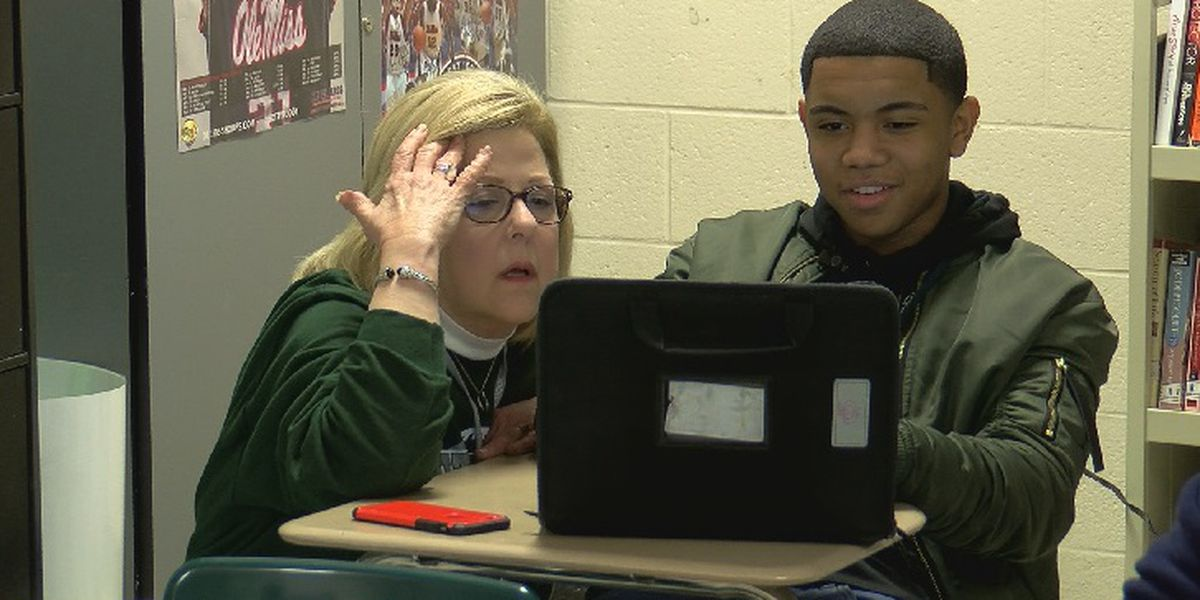 Dutch Fork High School students say new state website makes applying to college much easier