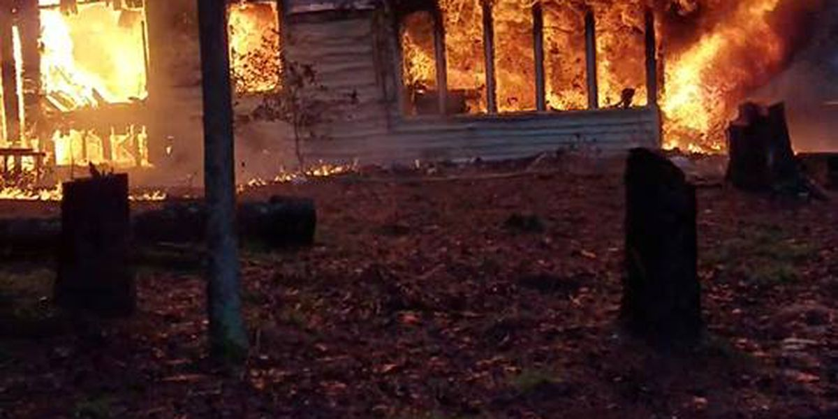 UPDATE: Lake Wateree house fire caused by lightning, officials say