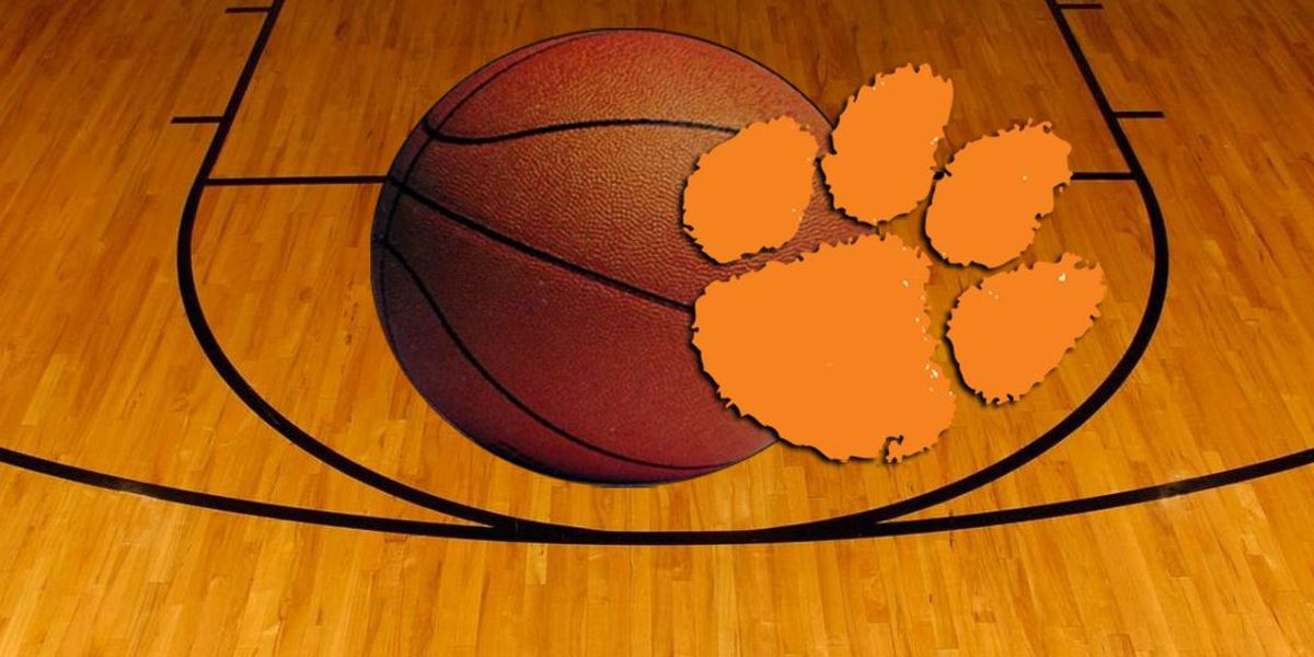Reed impressive in first game back as Clemson clips Carolina
