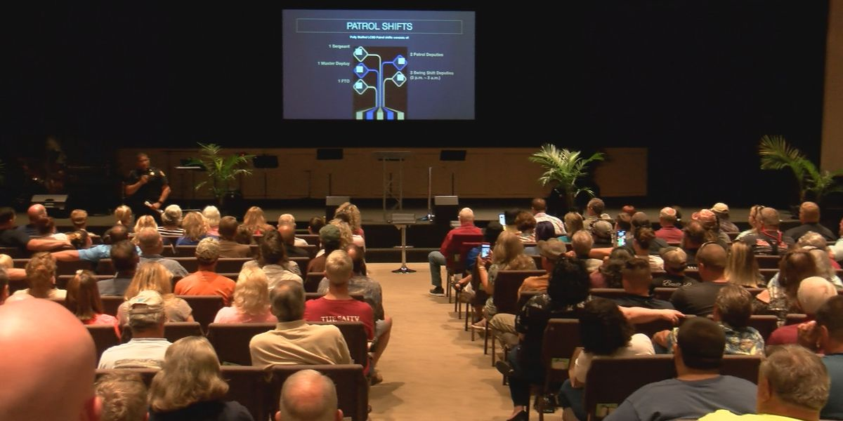 Lexington County sheriff talks crime with Red Bank residents