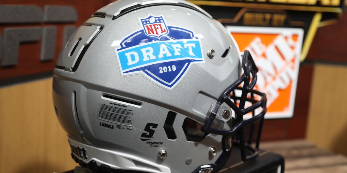 3 QBs and lots of defenders highlight 1st round of draft