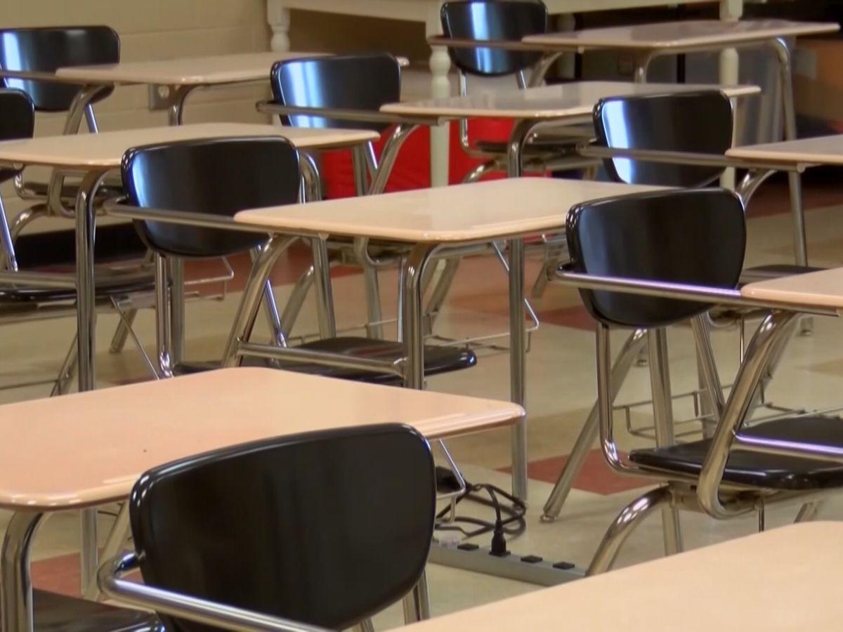 LR5 school board still debating return to hybrid schedule