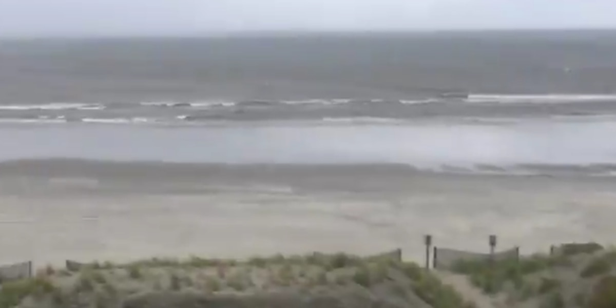 Florence assaults Myrtle Beach with high winds and heavy rains