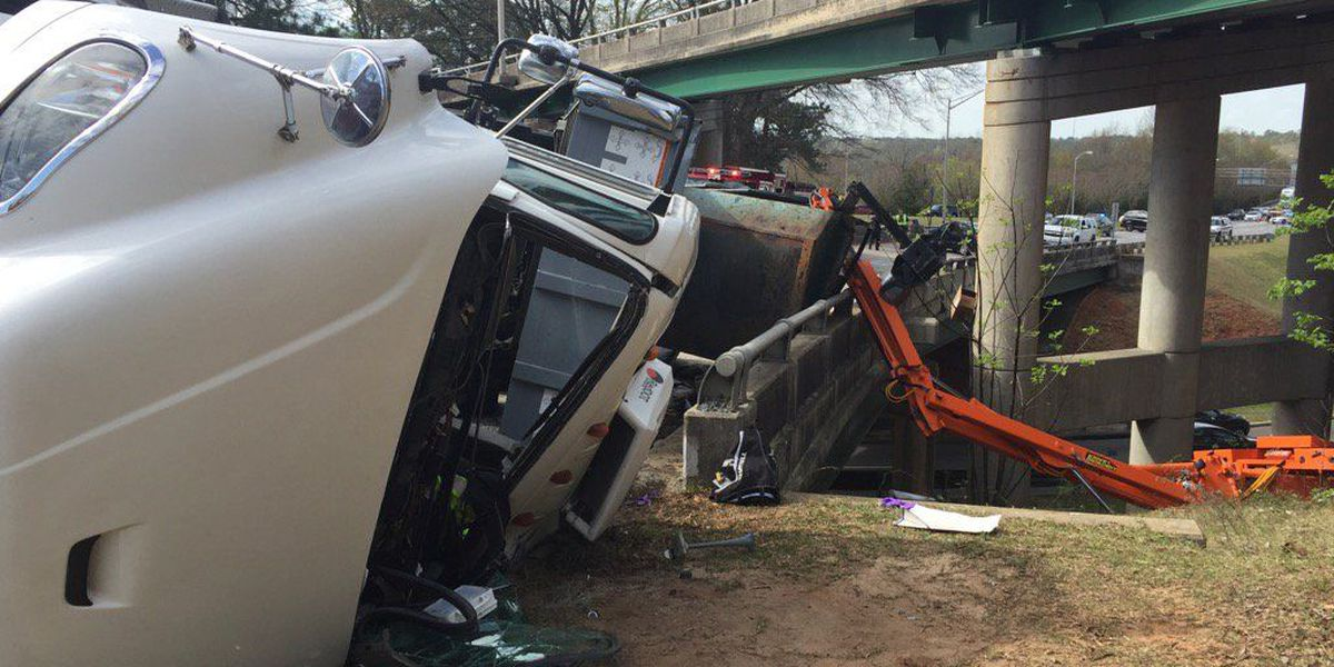 I-126 back open following tractor-trailer accident
