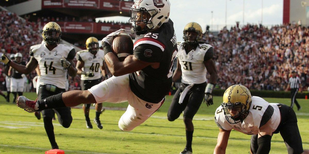 Bentley, Turner lead Gamecocks past Vandy in 34-27 win