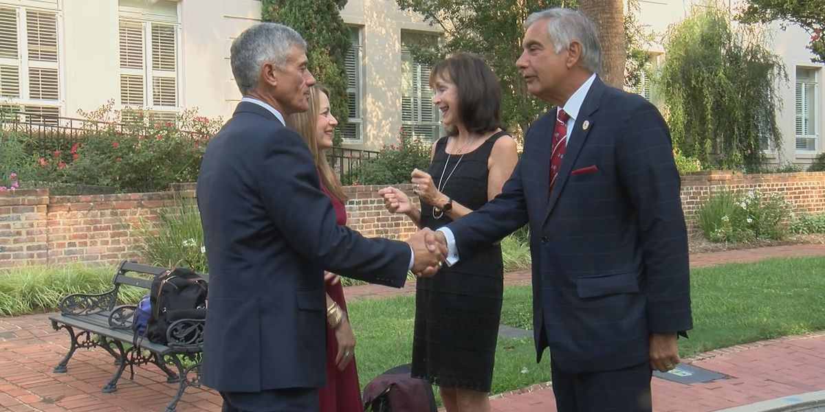 Formal review of UofSC presidential search launched by accreditors