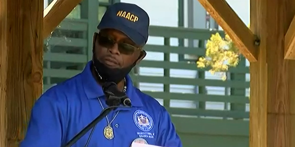 NAACP renews calls for Pawleys Island mayor to resign over social media post