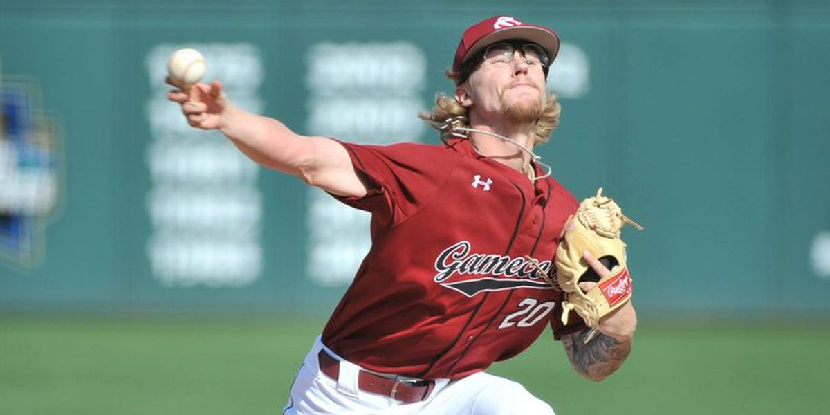 Gamecocks roll on Sunday, clinch series win over Clemson