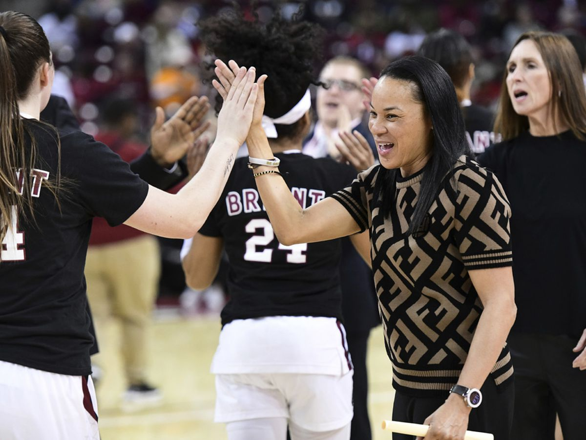 Staley: Gamecocks could face Oregon in women's hoops to start next season