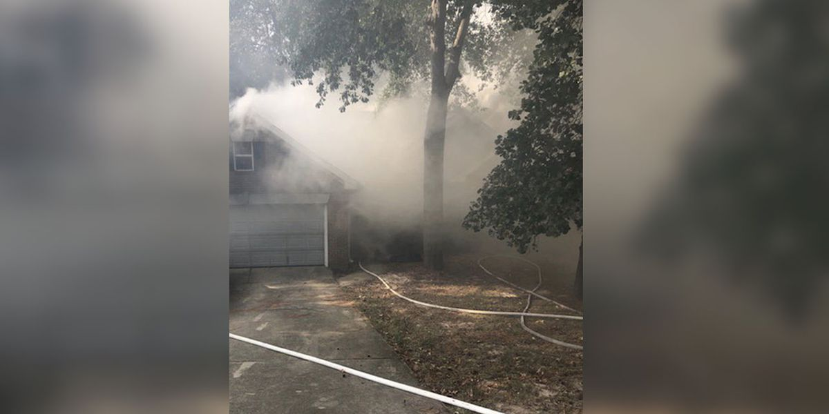 Five people displaced after fire damages home in northeast Columbia