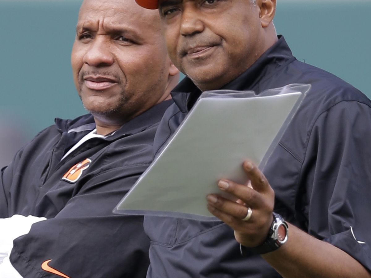Hue Jackson back in Cincinnati, helping to run defense