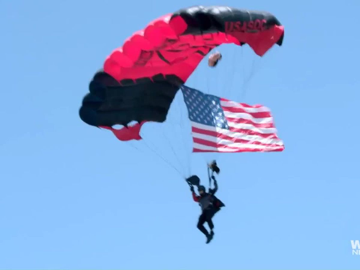 US Army's Black Daggers parachute team thanks SC health care workers