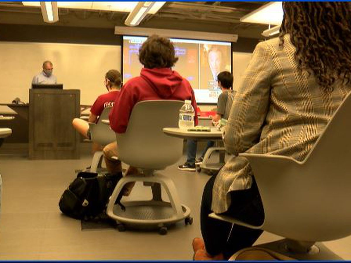 UofSC students study South Carolina's social media reaction to final presidential debate