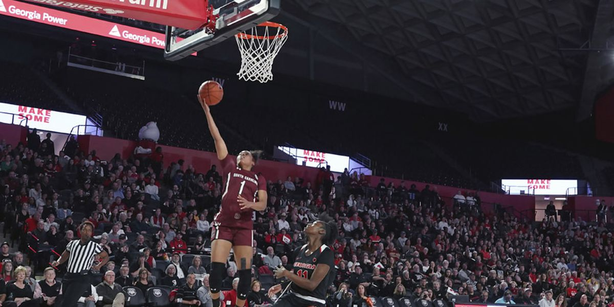 South Carolina crusies past Georgia for 13th straight win