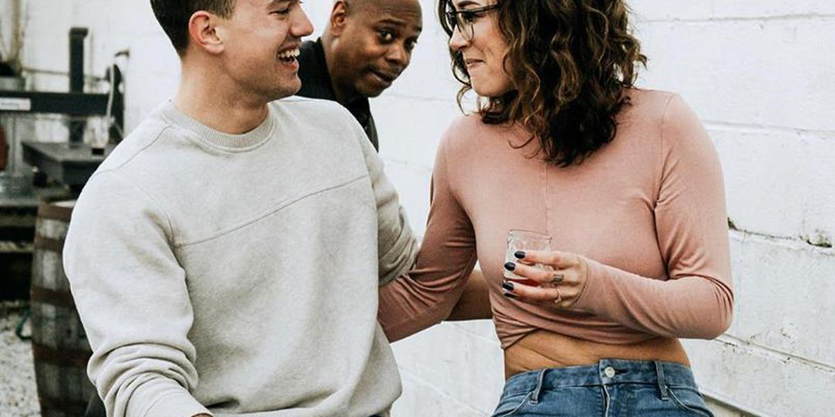 Dave Chappelle photobombs OH  couple's engagement photo shoot