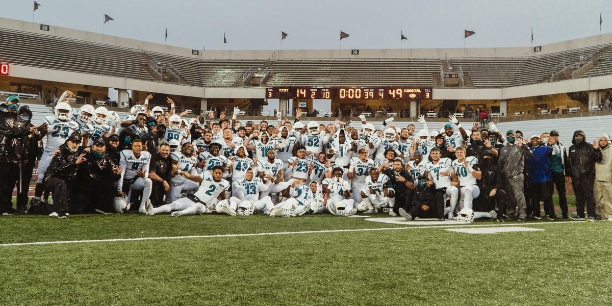 No. 20 Coastal Carolina routs Texas State, clinches spot in Sun Belt title game
