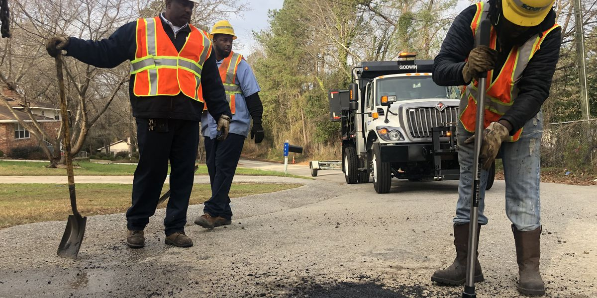 WIS goes behind the scenes to learn more about SCDOT's 'Pothole Blitz'