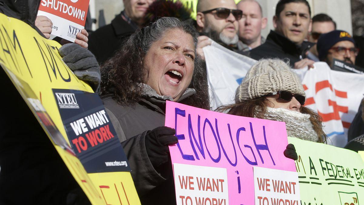 At 30-day mark, shutdown impasse remains over border funding
