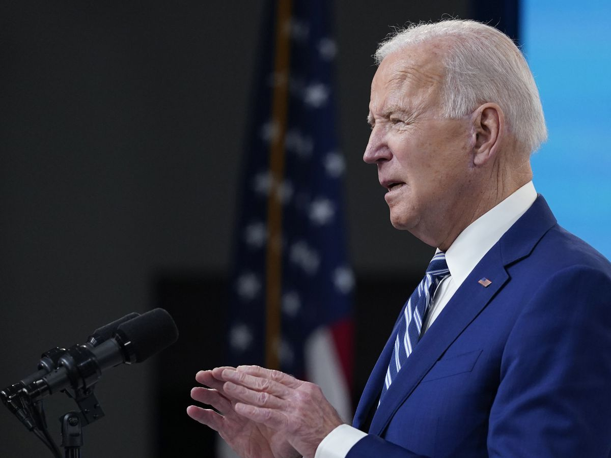 Pelosi invites Biden to address Congress on April 28