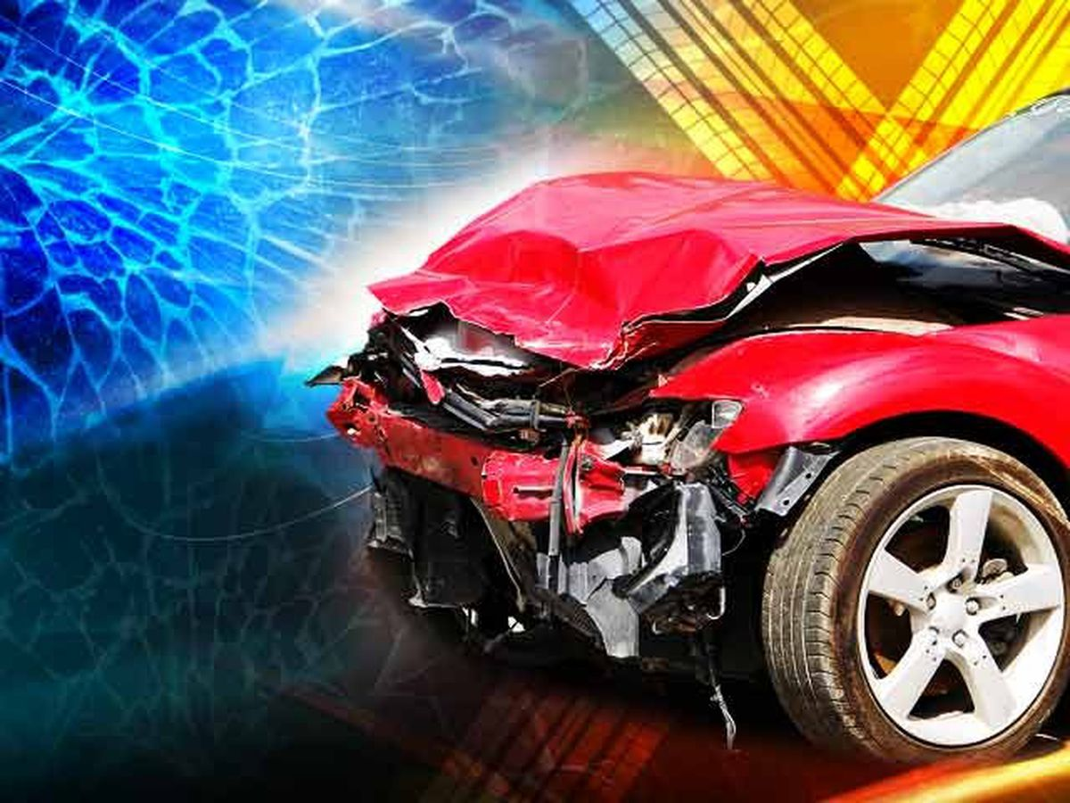 Highway 213 in Fairfield County closed after three-car accident