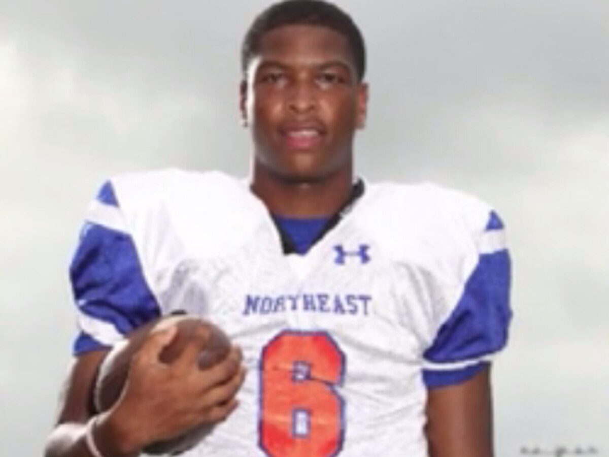Richland Northeast quarterback recovering after heart attack