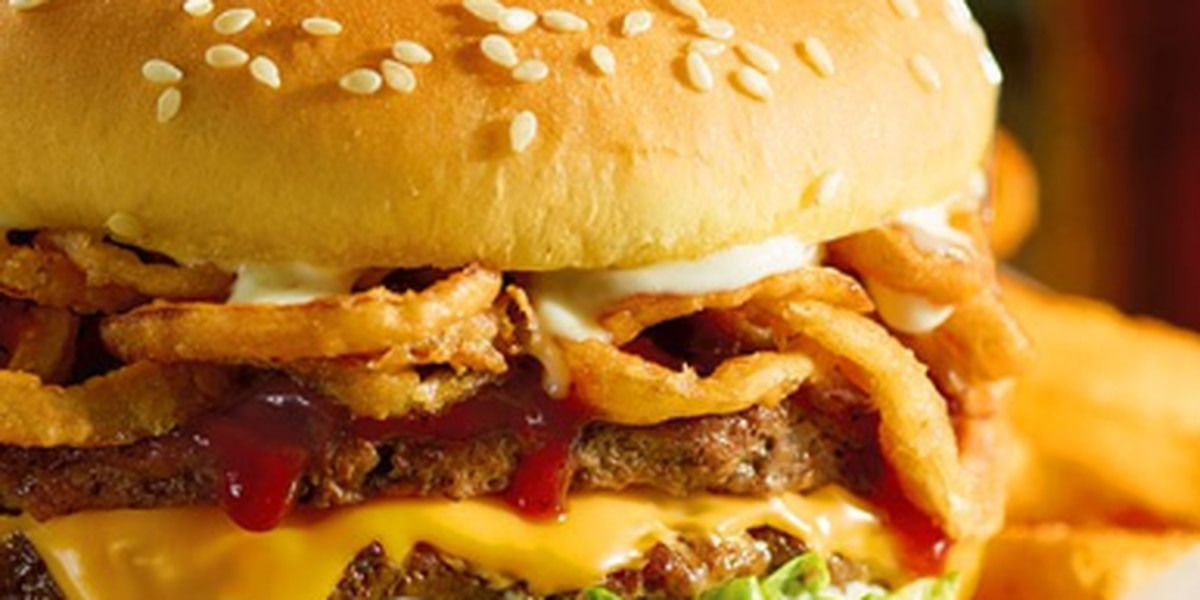 Red Robin (yum!) has a delicious deal that's only for teachers (and we're all jealous)
