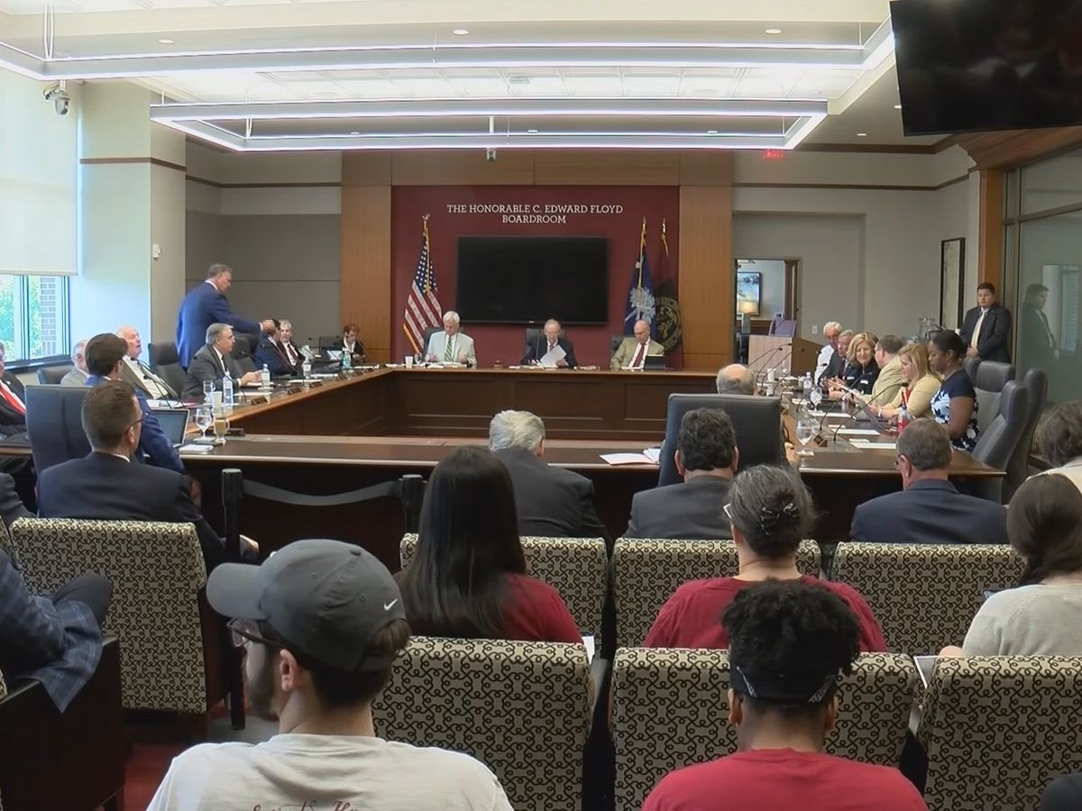Lawmakers consider bill that would make UofSC Board of Trustees smallest in the state