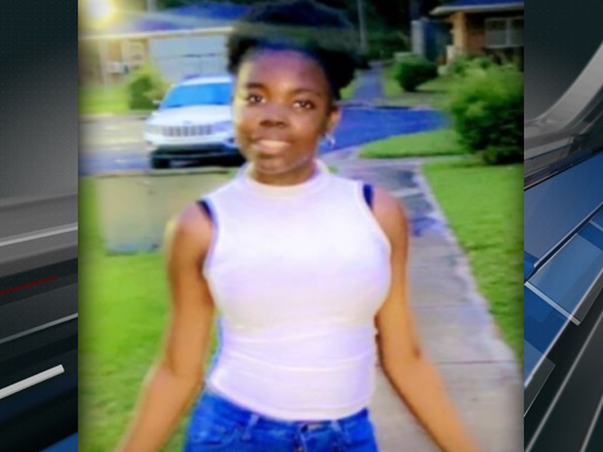 Charleston police searching for missing 15-year-old runaway