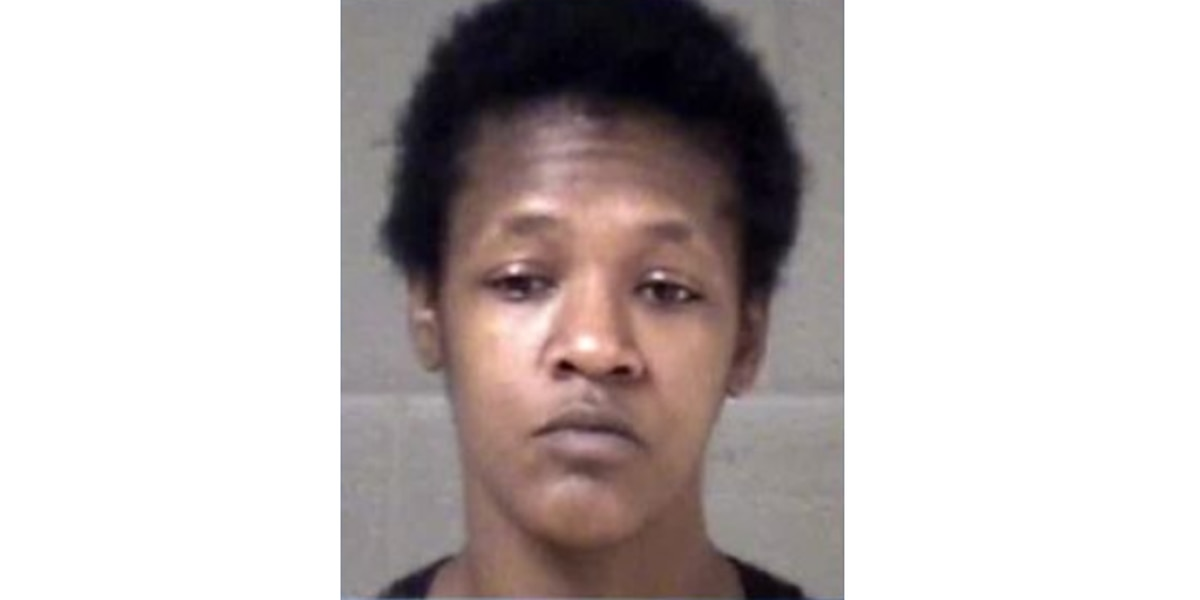 Asheville mother seriously burns infant in home, charged with child abuse, police say