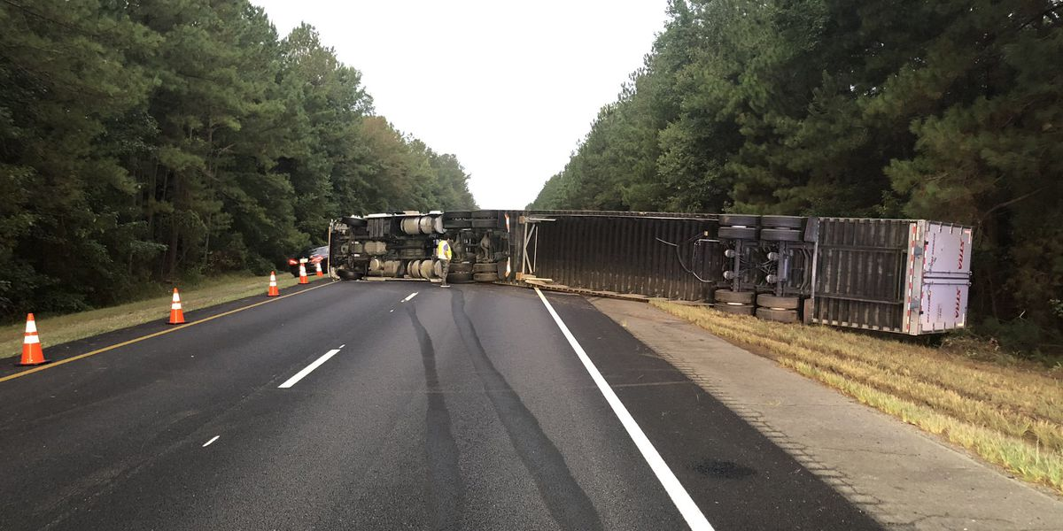 UPDATE: I-95 south lanes reopened following crash involving overturned vehicle near US 301