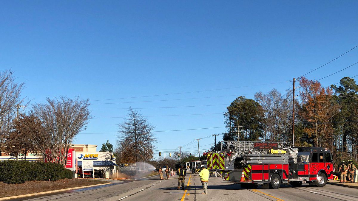 Update: All lanes back open after gas leak on Sunset Blvd. in Lexington Co.
