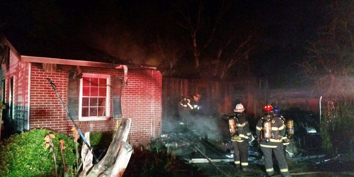 2 displaced after early morning house fire in Columbia