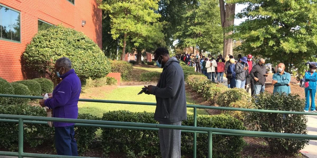 SC in-person absentee voting draws long lines on first day